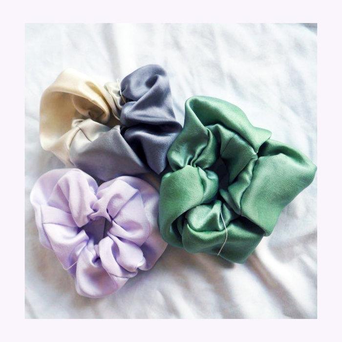 Papillon Ivoire Papillon Ivoire Small Silk Scrunchie