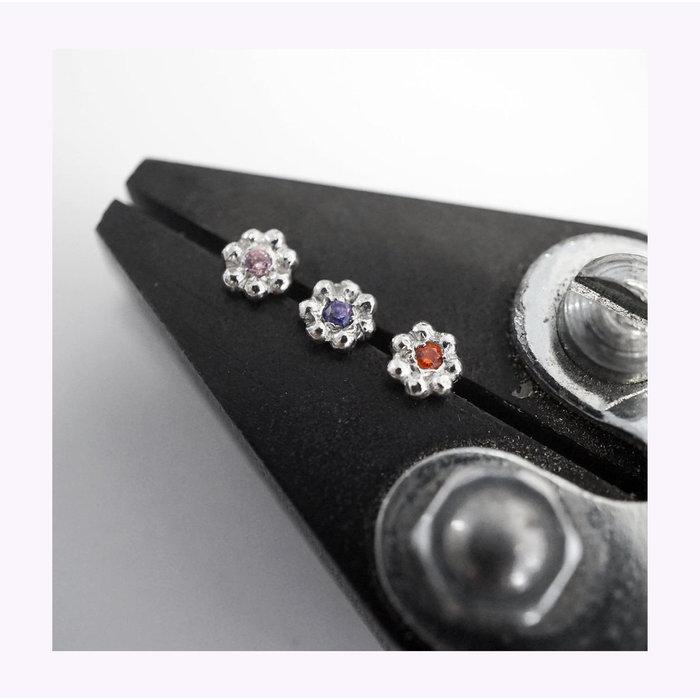 Marmod8 Mini Flower Zircon Stud Earrings