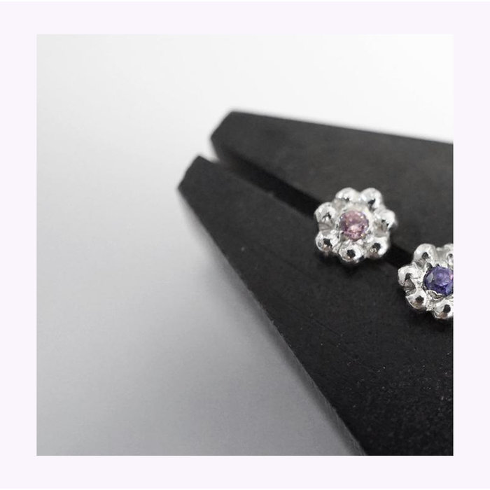 Marmod8 Mini Flower Zircon Stud Earrings