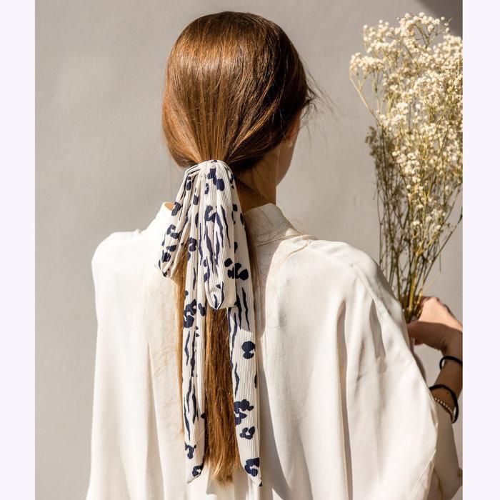 Gibou Gibou Blue Flowers Hair Tie