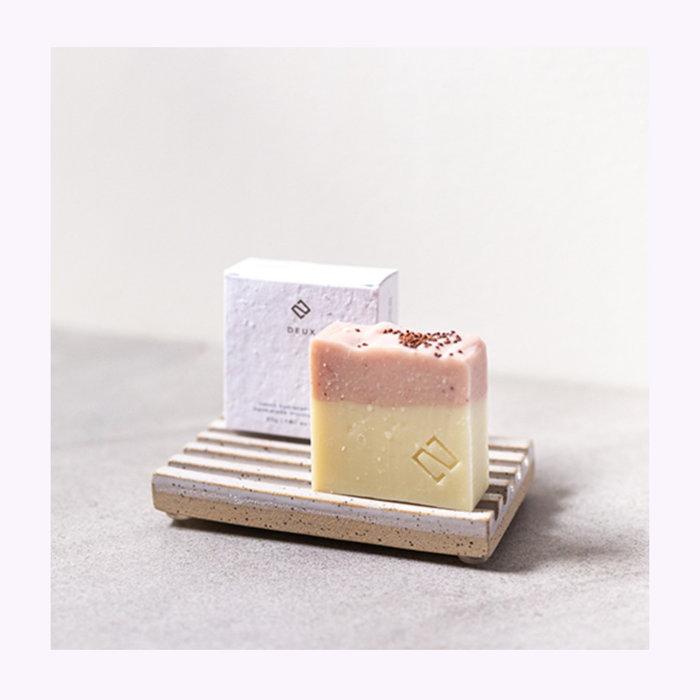 Deux cosmétique Deux Cosmétiques Lemon & Cranberry Soap