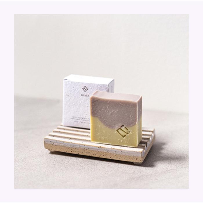 Deux Cosmétiques Patchouli & Chamomile Soap