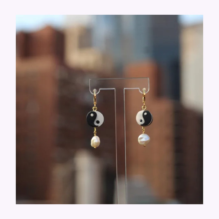 Crumi Stuff Crumi Stuff Pearla Earrings