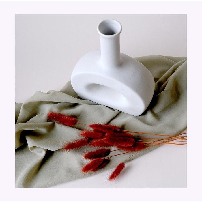 Minimalist Arch Vase