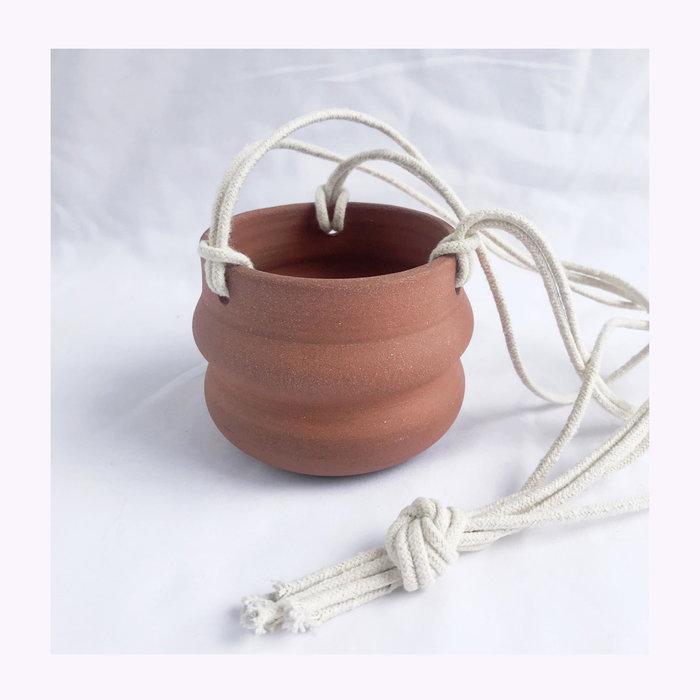 Banfill Ceramics Cache-pot à suspendre ondulé Banfill Ceramics - Terracotta