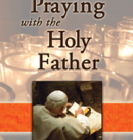 Pauline Praying with the Holy Father (paperback)