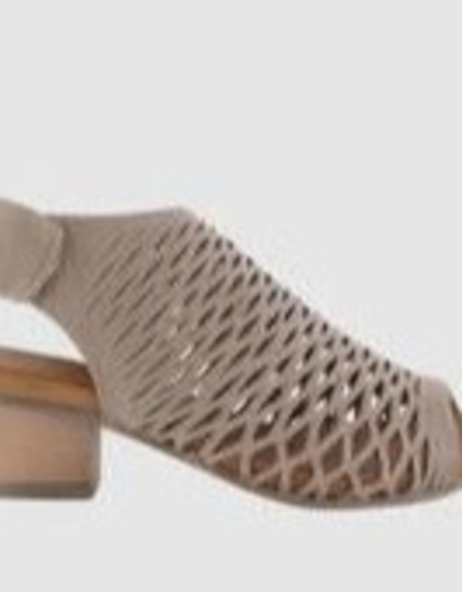 Bueno Bueno - Darkstone ruby shoe