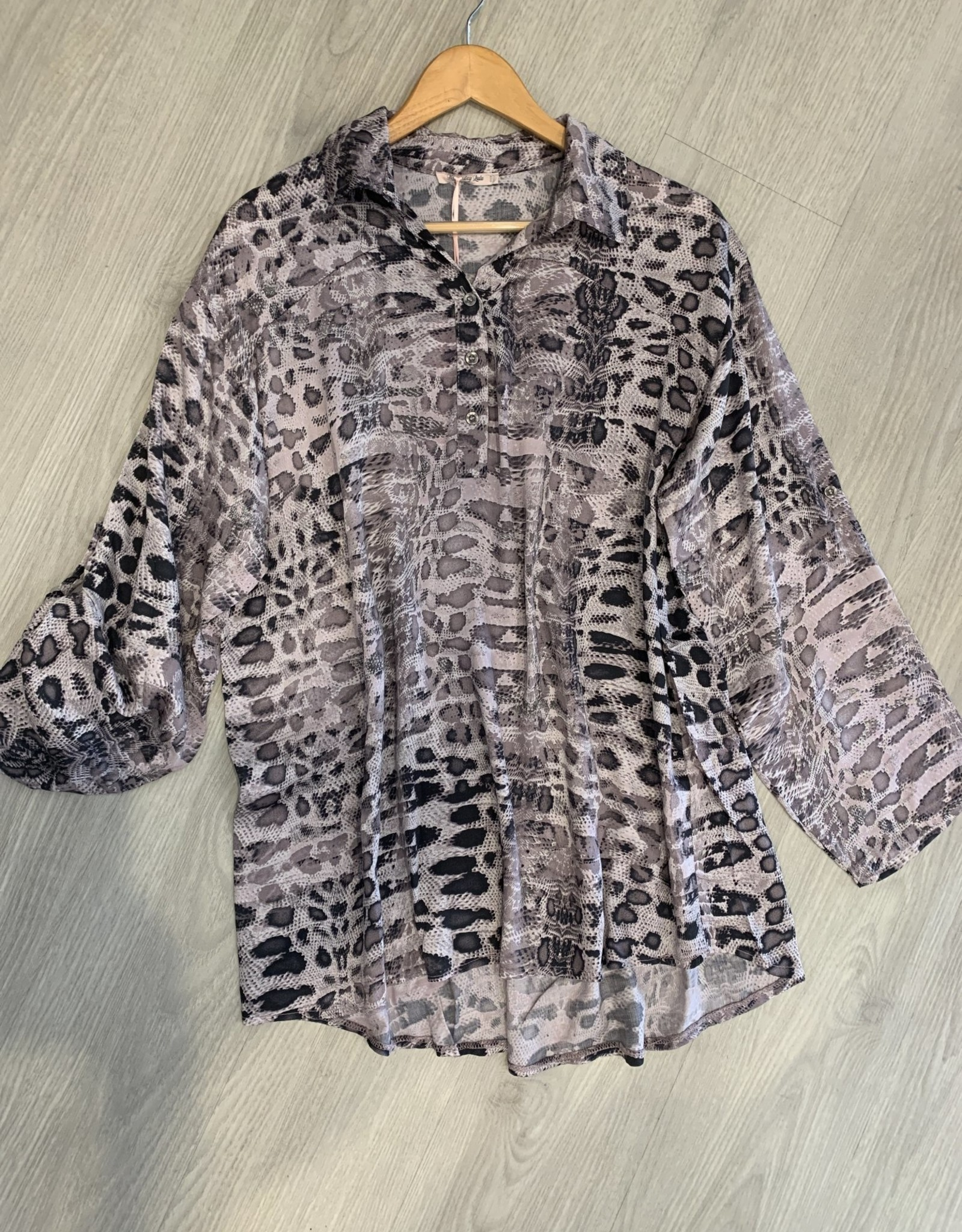 Wednesday Lulu Wednesday Lulu Blush Leopard Print Shirt