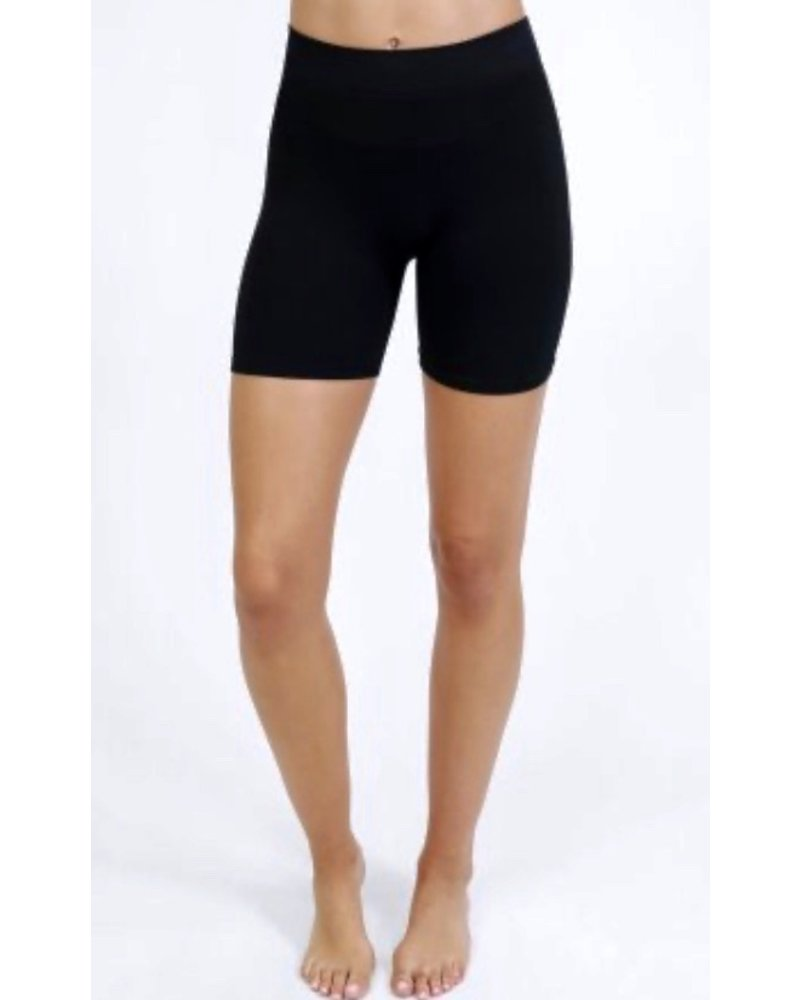 NikiBiki Biker Shorts Babe