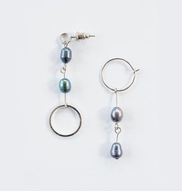 Mata Traders Parallel Pearl Earrings Silver
