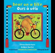 Barefoot Books Bear on a Bike / Ours à vélo
