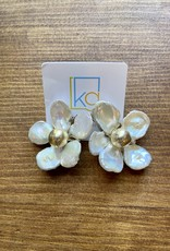 Medium White Flower with Gold Middle