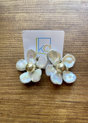 White Flower Studs | Gold