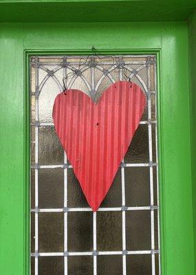 Medium Metal Heart Door Hanger   Red