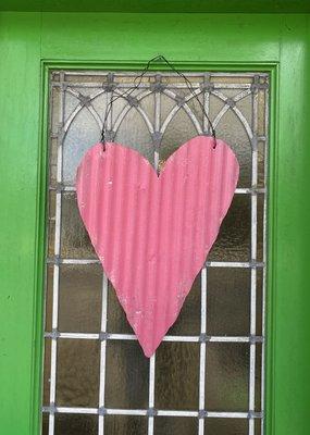 Medium Metal Heart Door Hanger   Pink