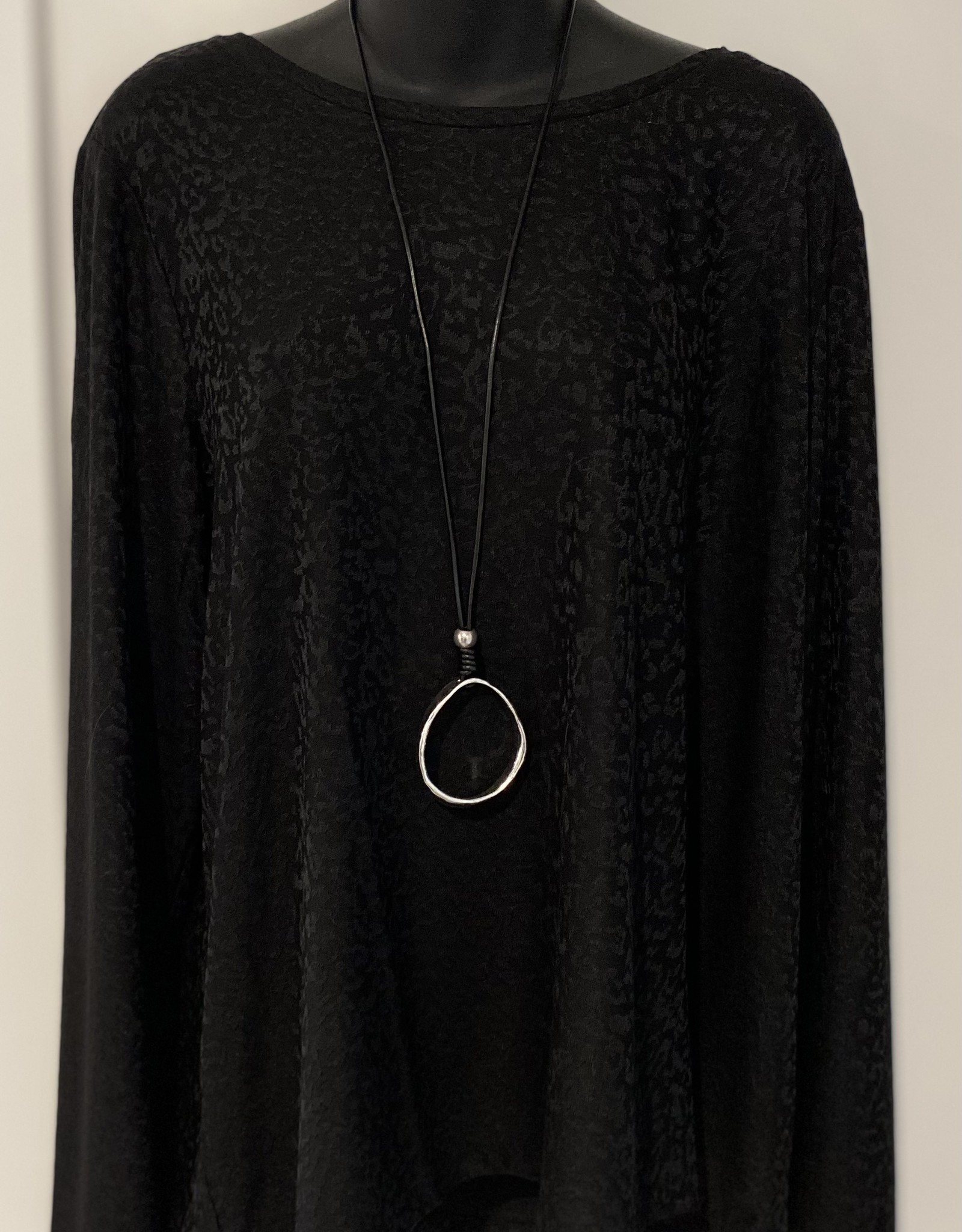 Rope Style Drop Circular Shaped  Necklace