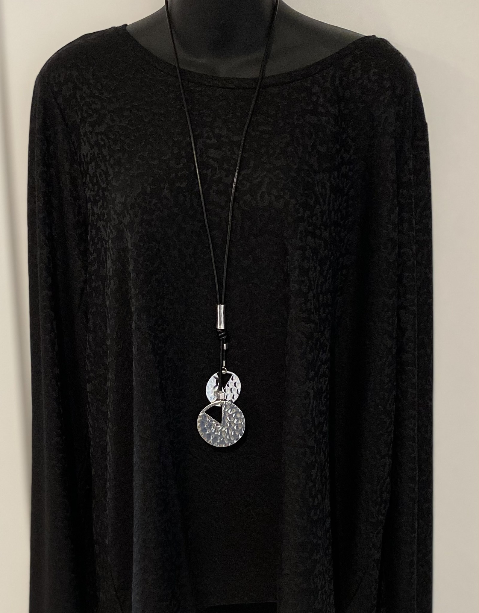 Rope Style - Metal Cut-Out Detail Stacked Medallion Necklace