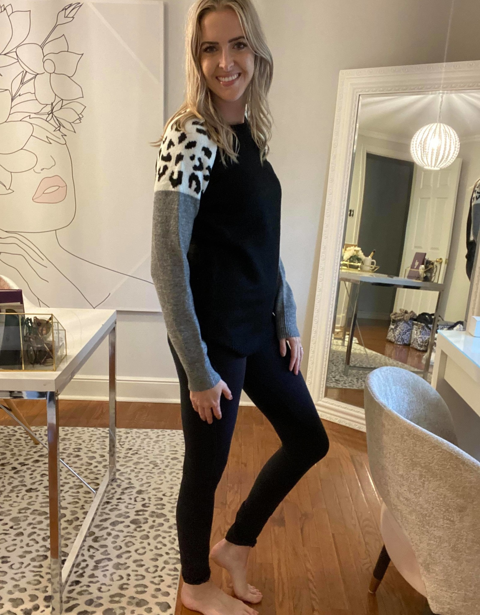 Round Neck Sweater w Colour Block Cheetah