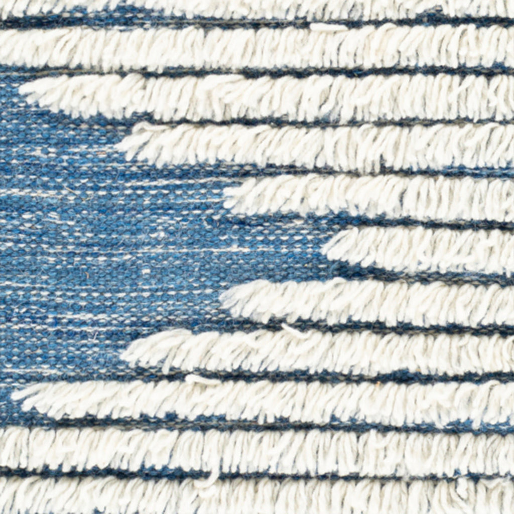 APACHE WOOL RUG 6' X 9' BLUE AND WHITE