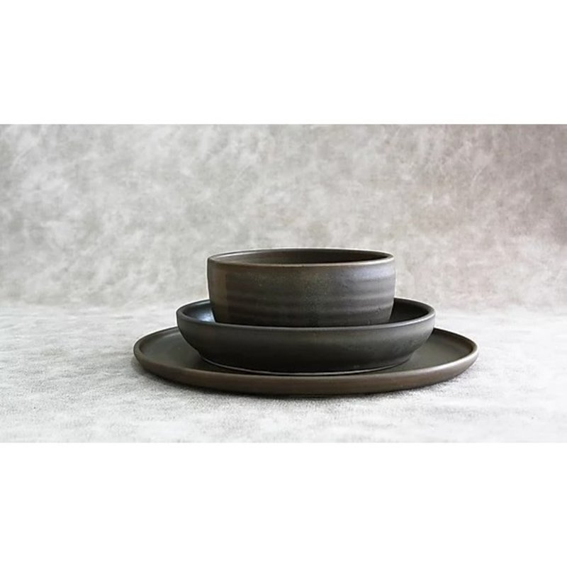 RV Pottery Simple Place Setting (3-Piece) With Noodle Bowl: Charcoal