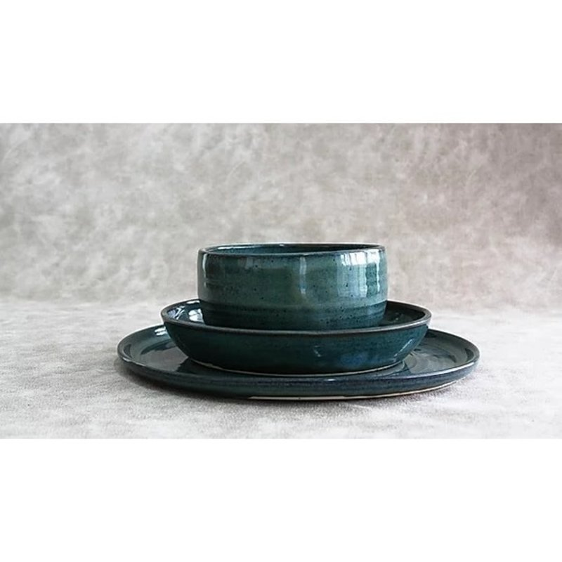 RV Pottery Simple Place Setting (3-Piece) With Noodle Bowl: Woo's Blue