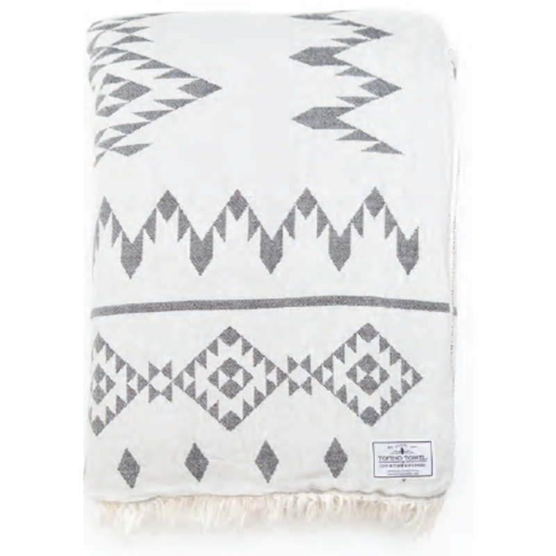 The Coastal Throw - White