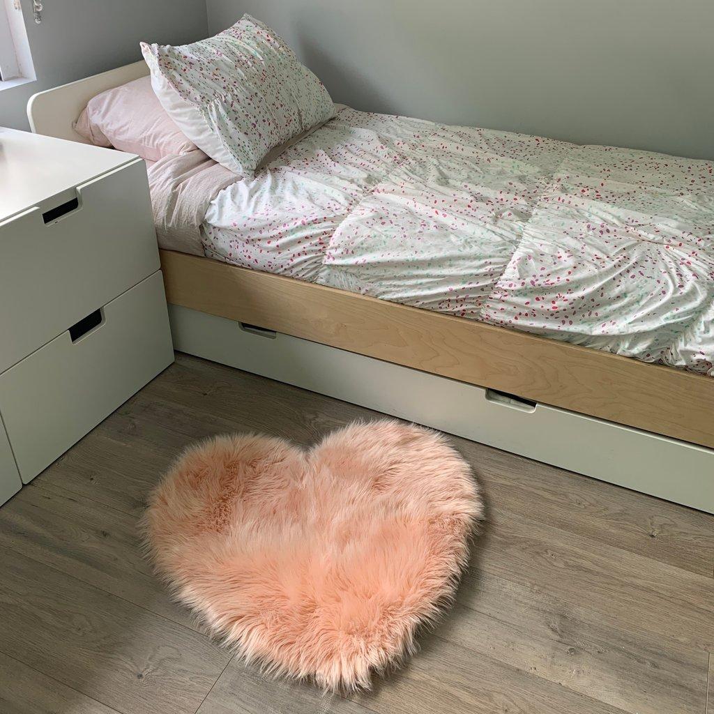 Kroma Carpets Faux Sheepskin Heart Blush Area Rug