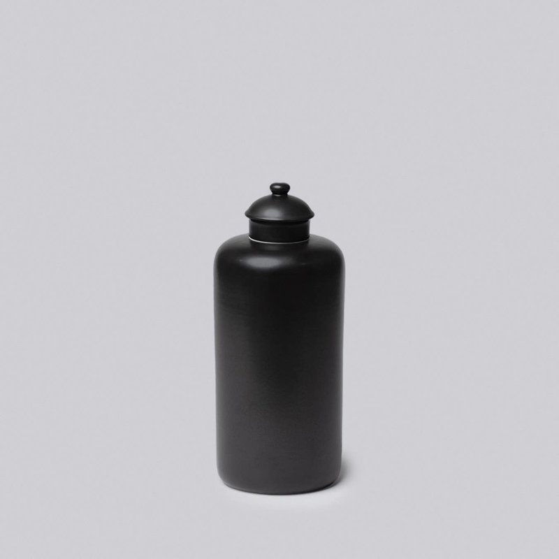 Faire - Middle Kingdom Medium Semi-Matte Black Vases   Mandarin