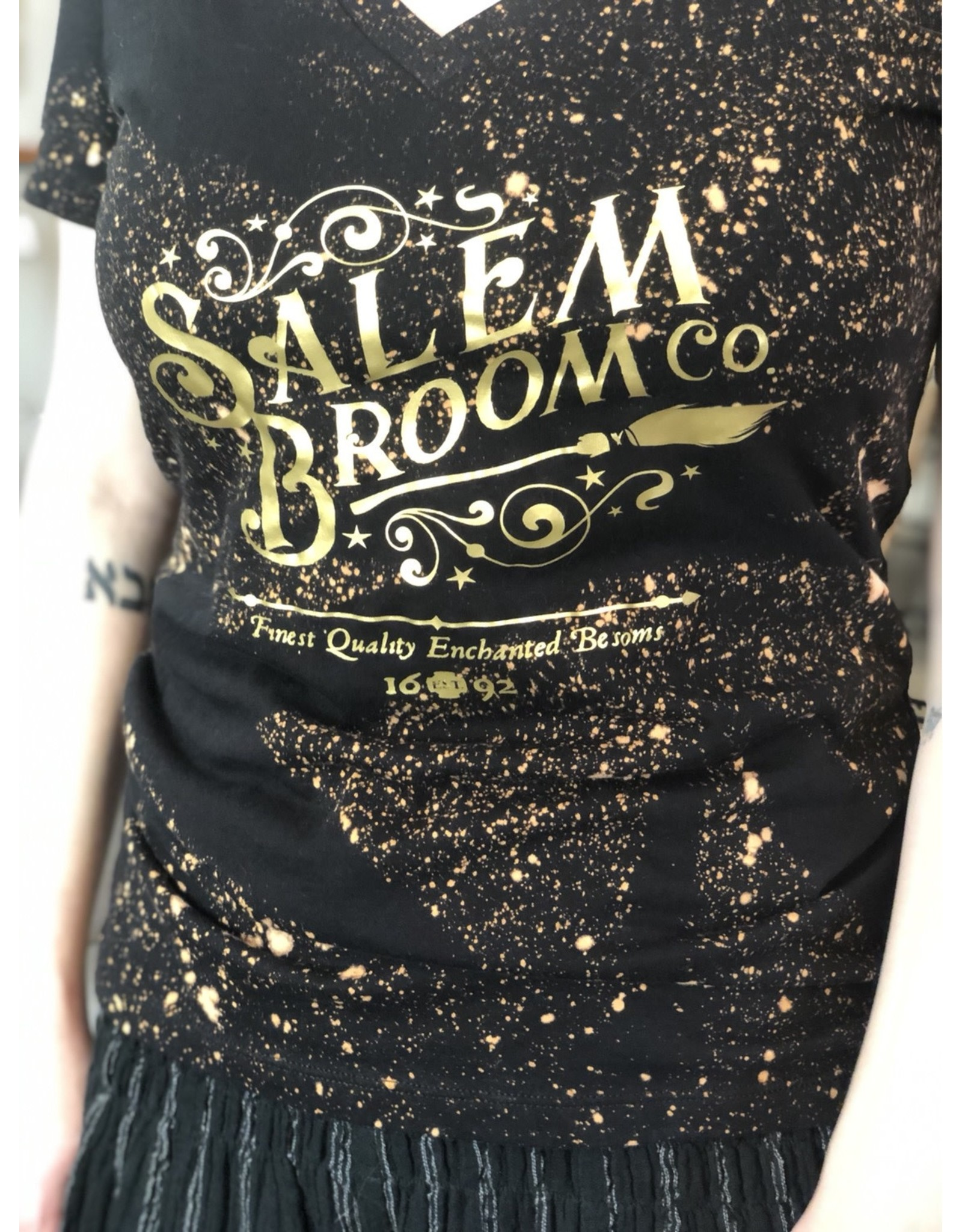 Salem Broom Co T-shirt Medium