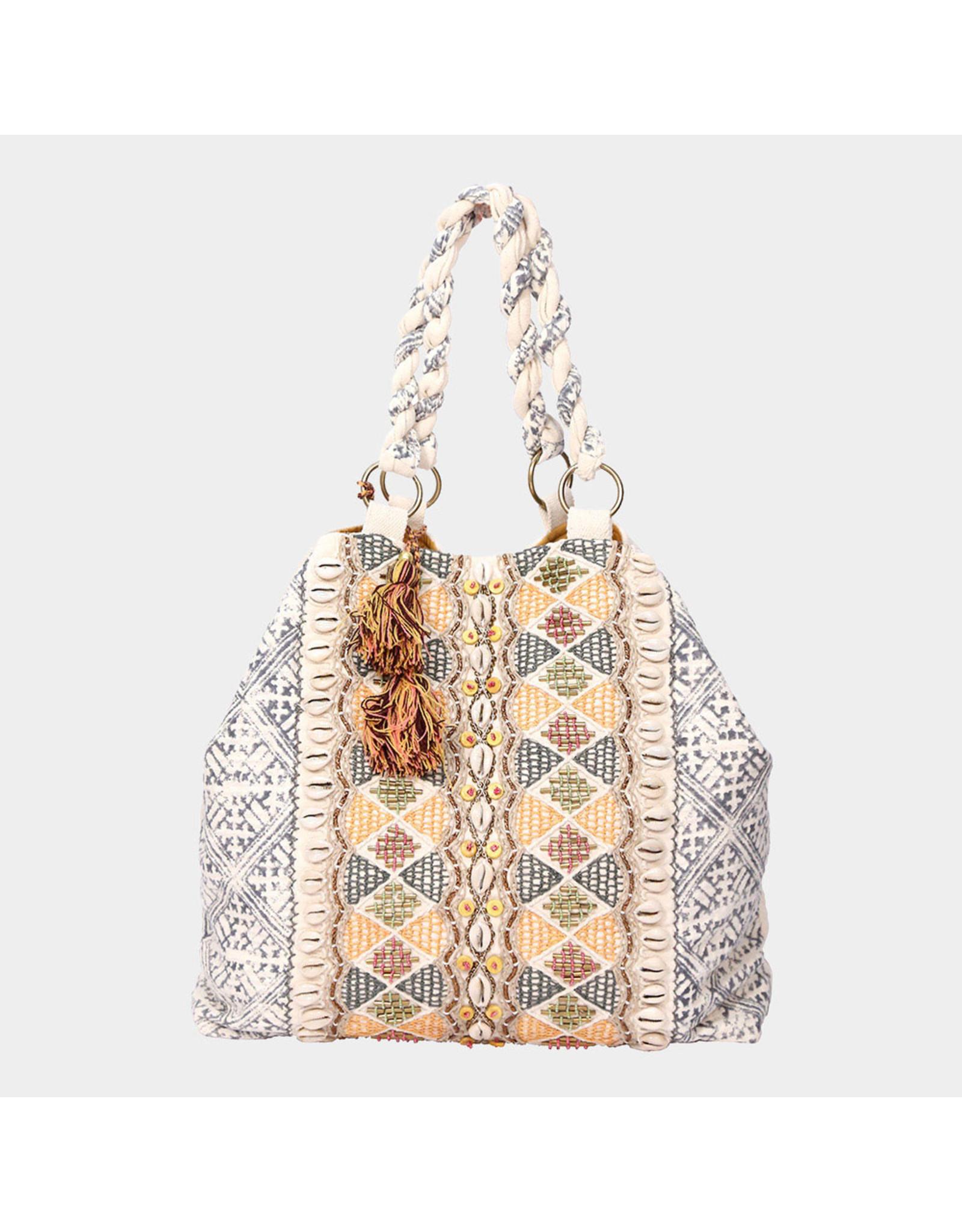 Bag with shells & beads