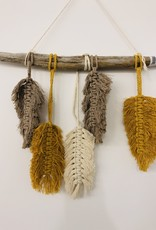 Macrame feathers