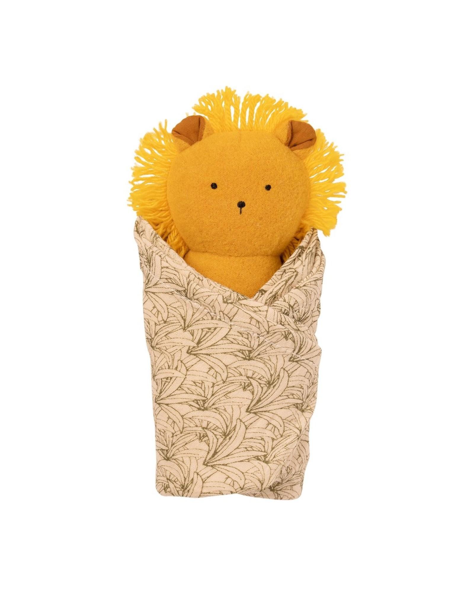 Manhattan Toy Lion Rattle + Burp Cloth