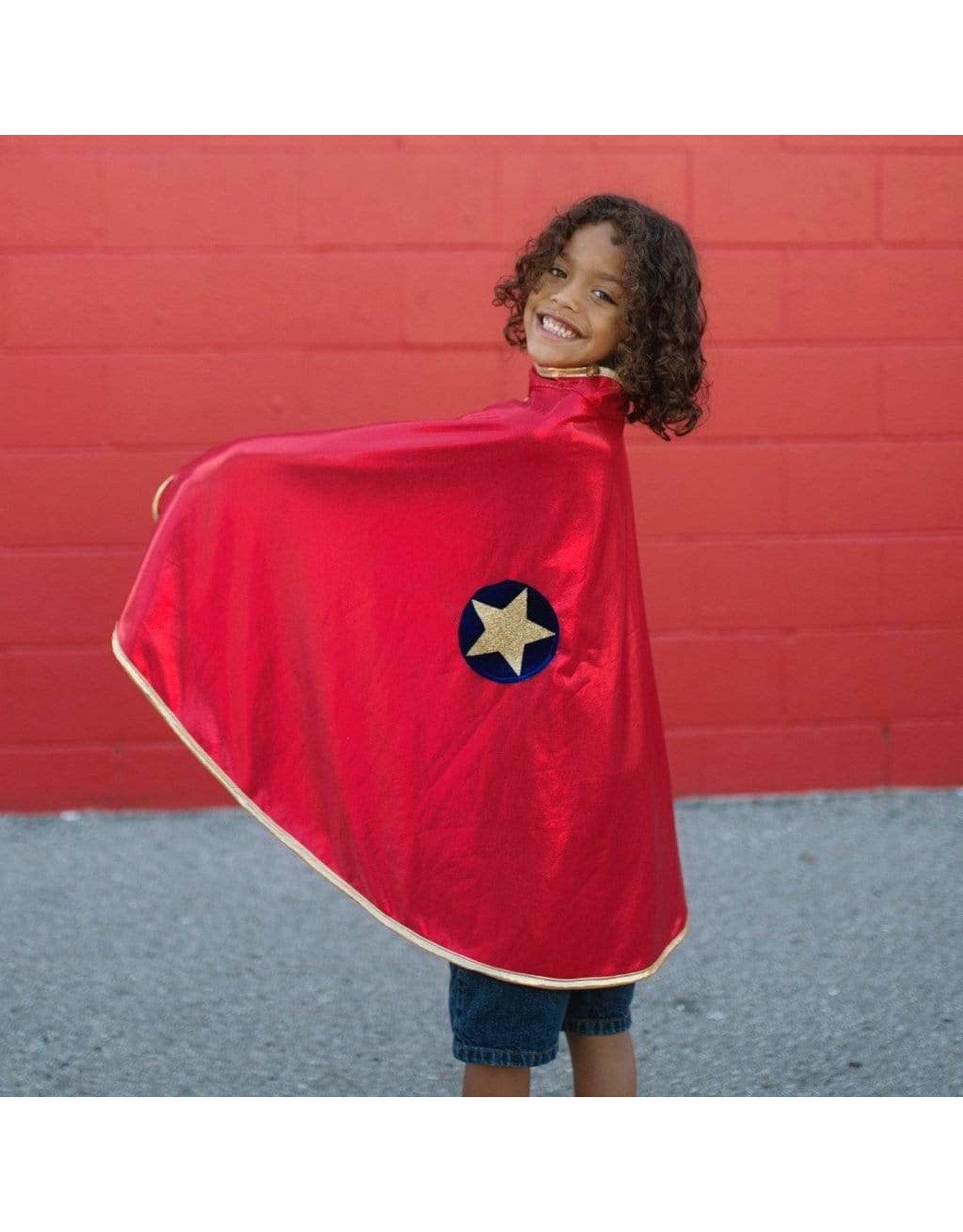 Great Pretenders Reversible Wonder Cape  Red/Gold  Size 5-6
