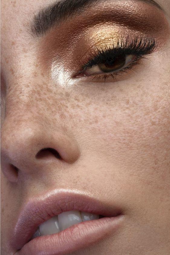 Gold Bronzed Smoky Eyes