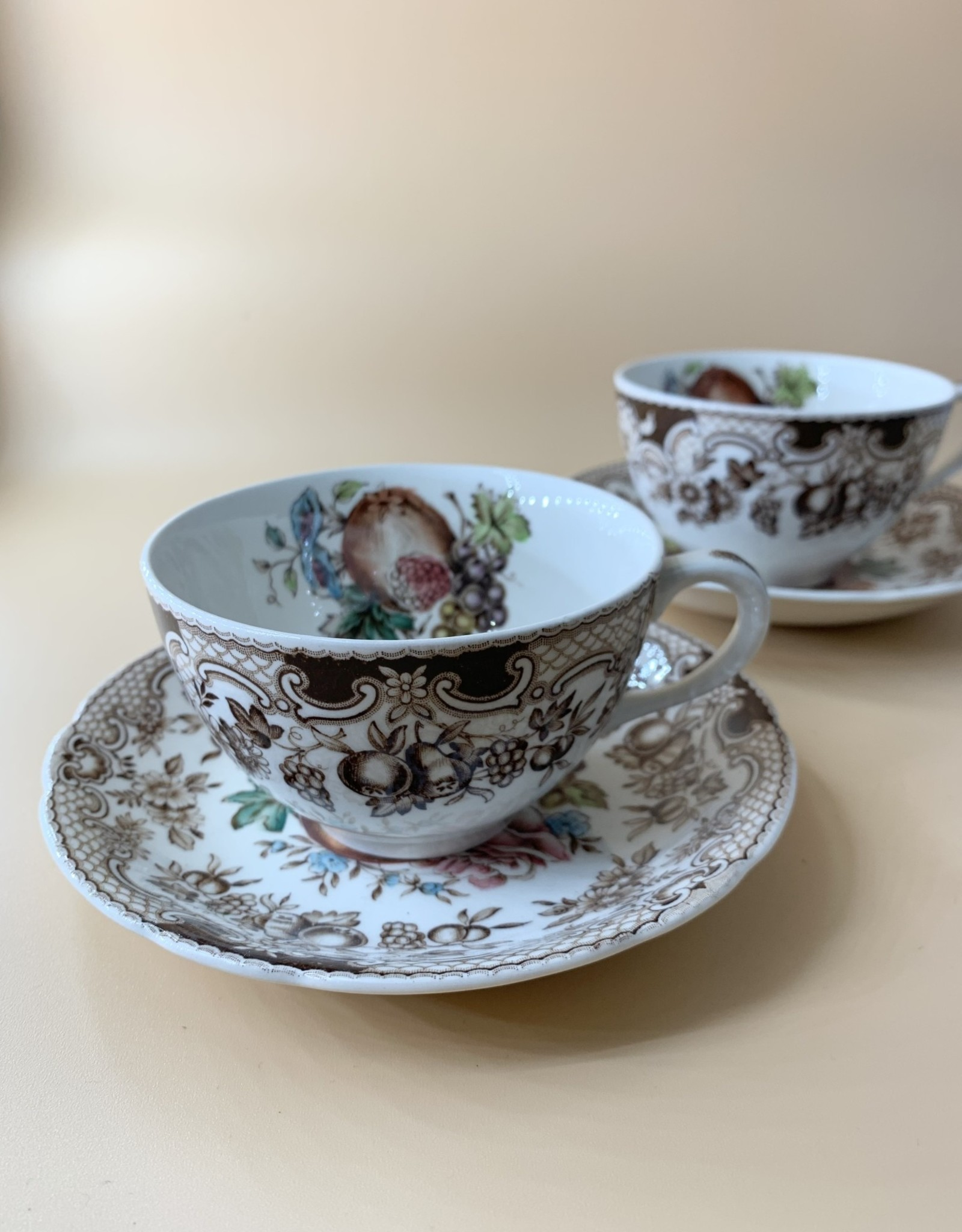Set of 6 Johnson Brothers Windsor Ware Tea Cup and Saucers