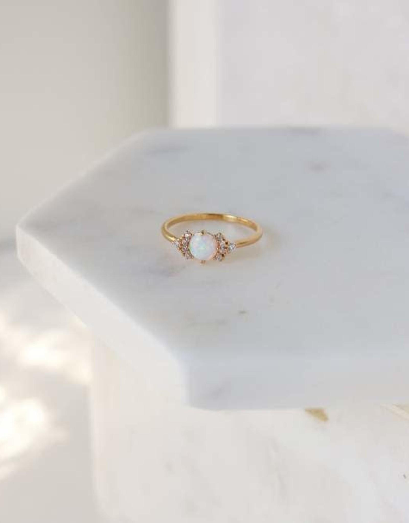 Echo Ring Gold/Opal size 6