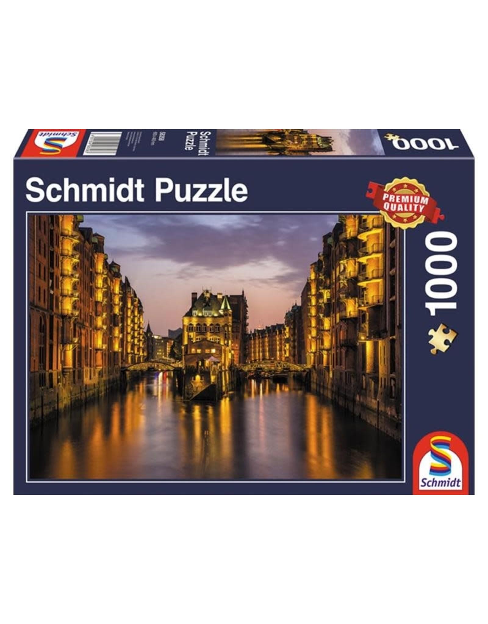 Schmidt Schmidt Hamburg, Nightfall in the Warehouse District