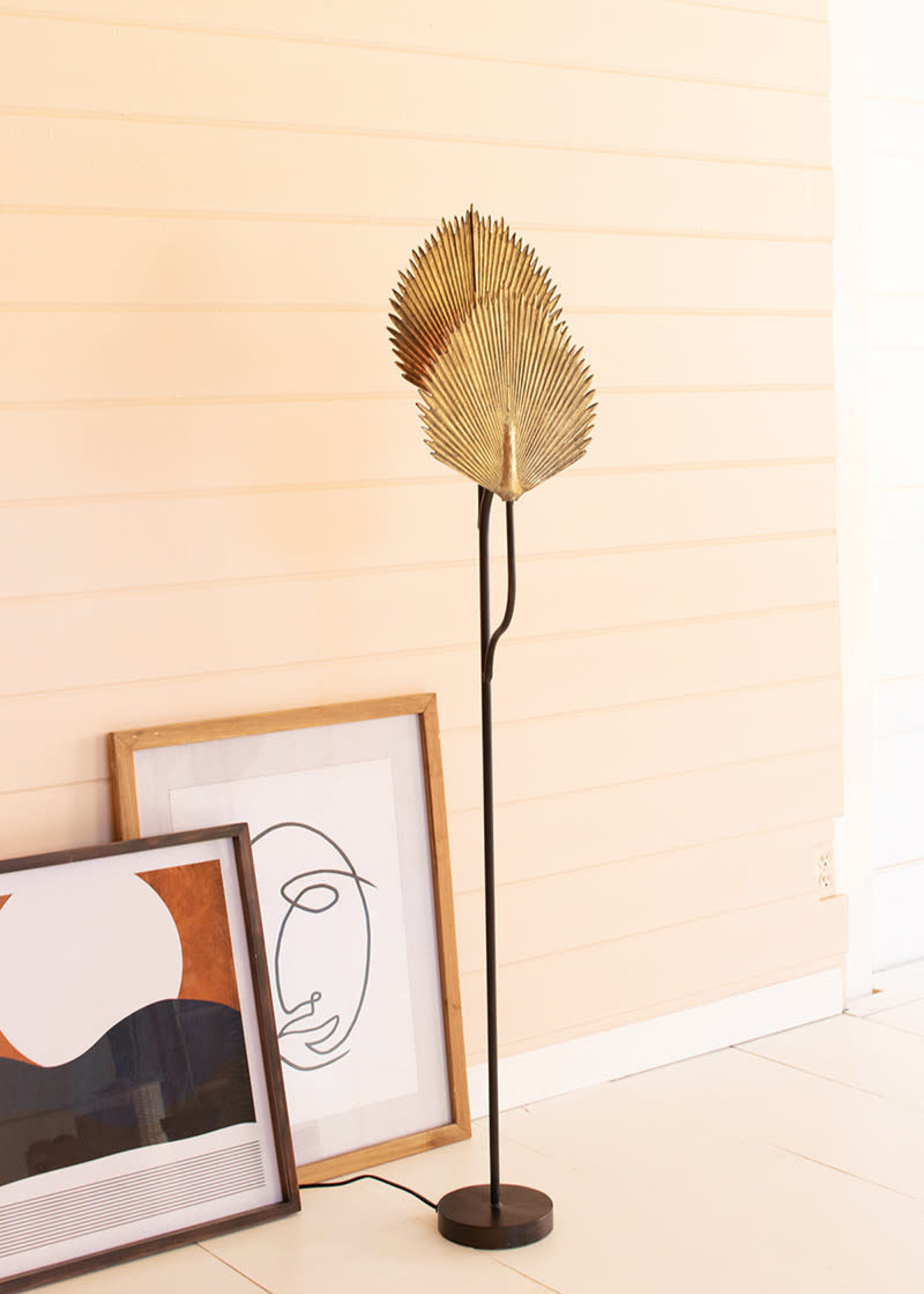 Floor Lamp With Antique Gold Leaves Detail