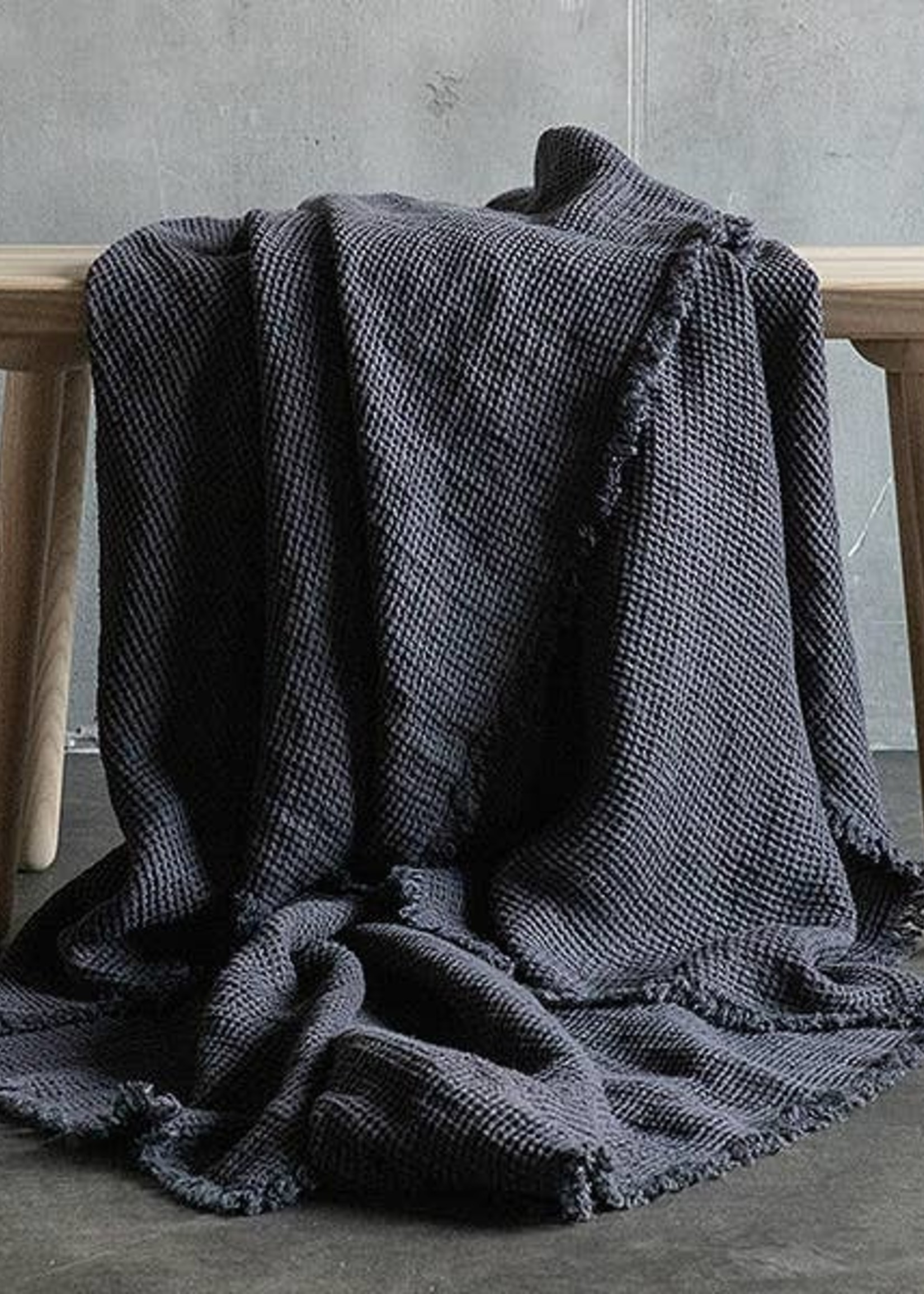 LinenMe Linen Washed Waffle Throw Grey With Fringes