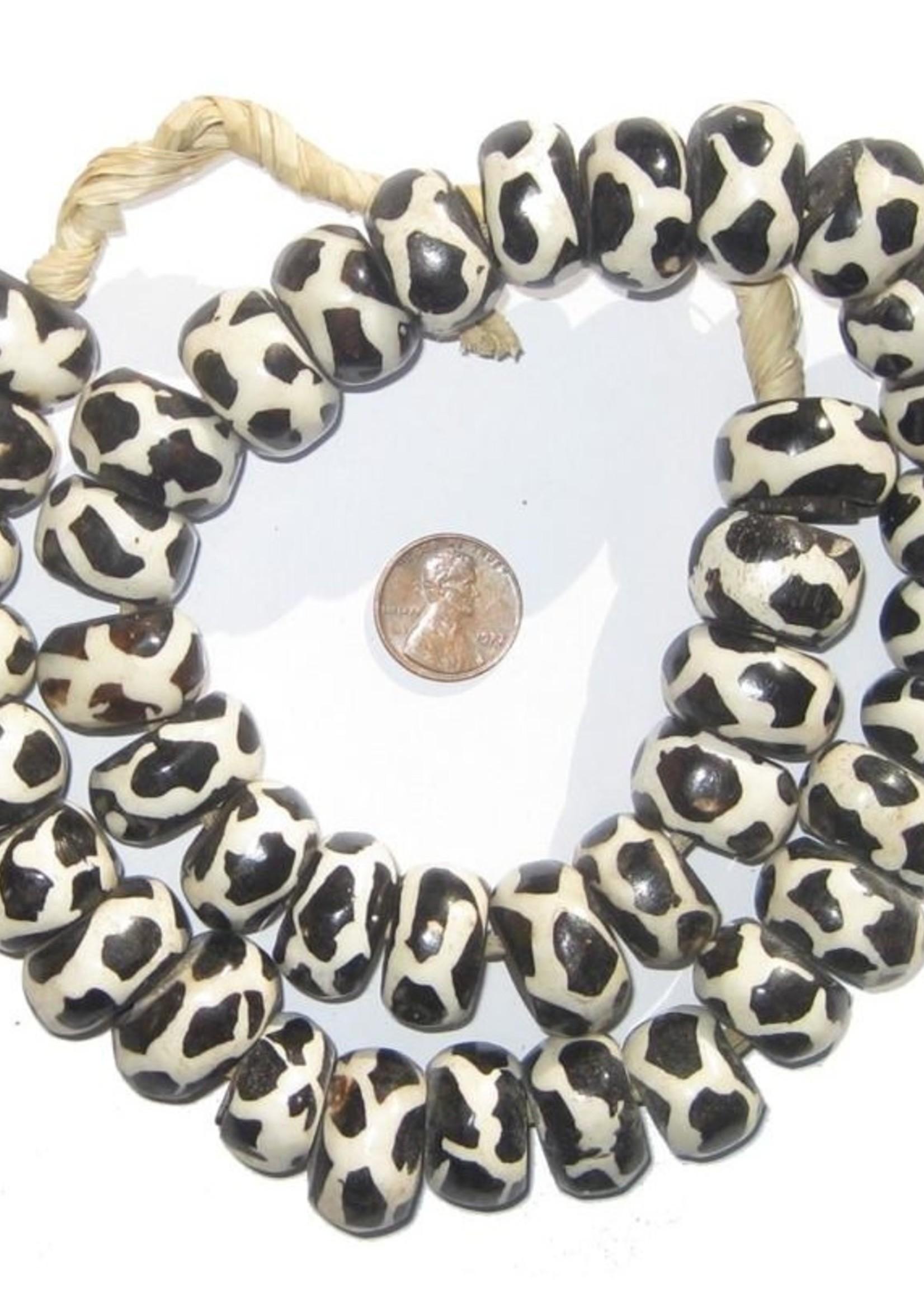 Large Giraffe Design Batik Bone Beads