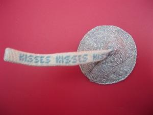 Canvas HERSHEY KISS  F09