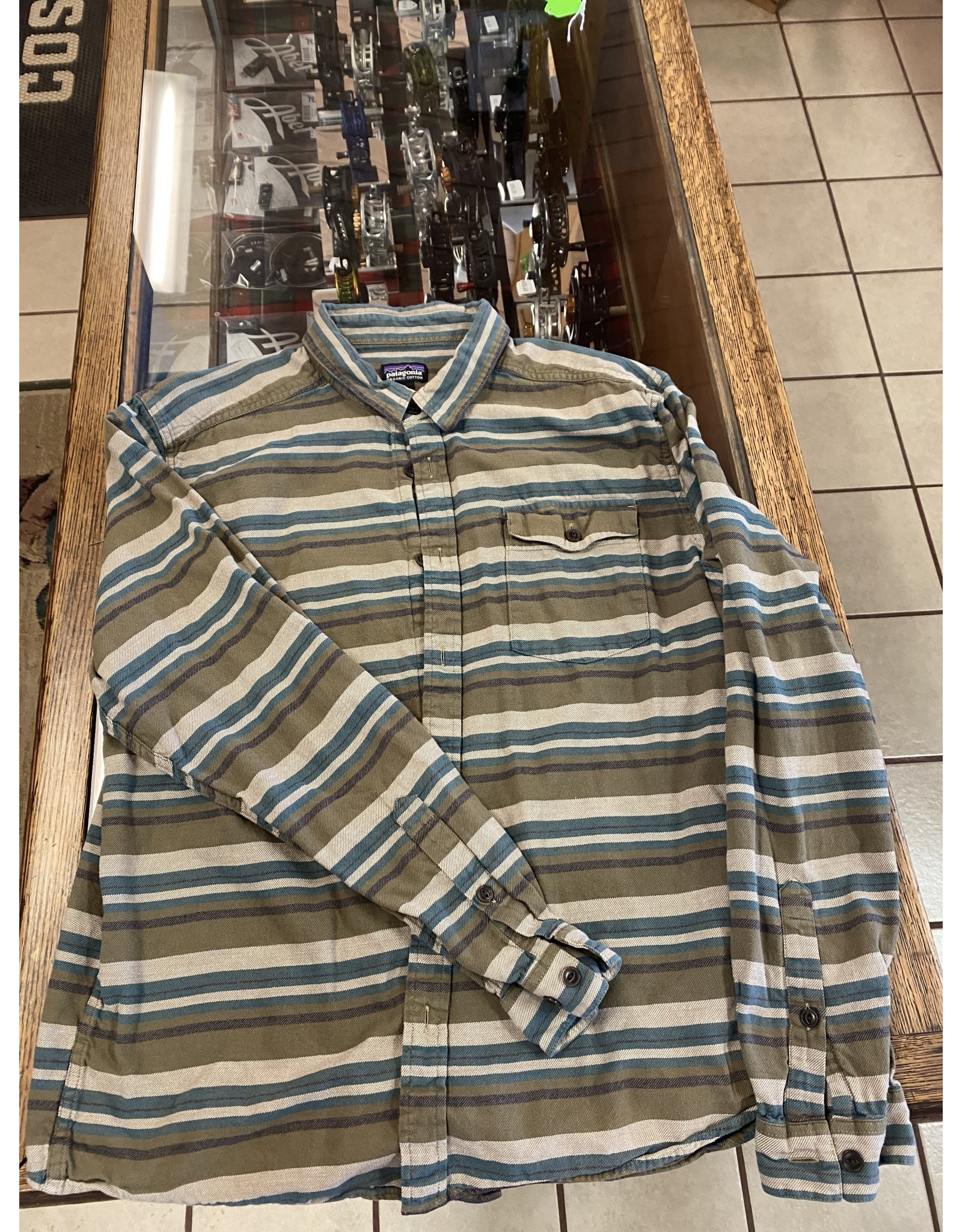 Patagonia Patagonia Lightweight Fjord Flannel (SAMPLE SALE Size L)