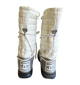 Wyld Blue Vintage Chanel Ski Boots (Sz 10)