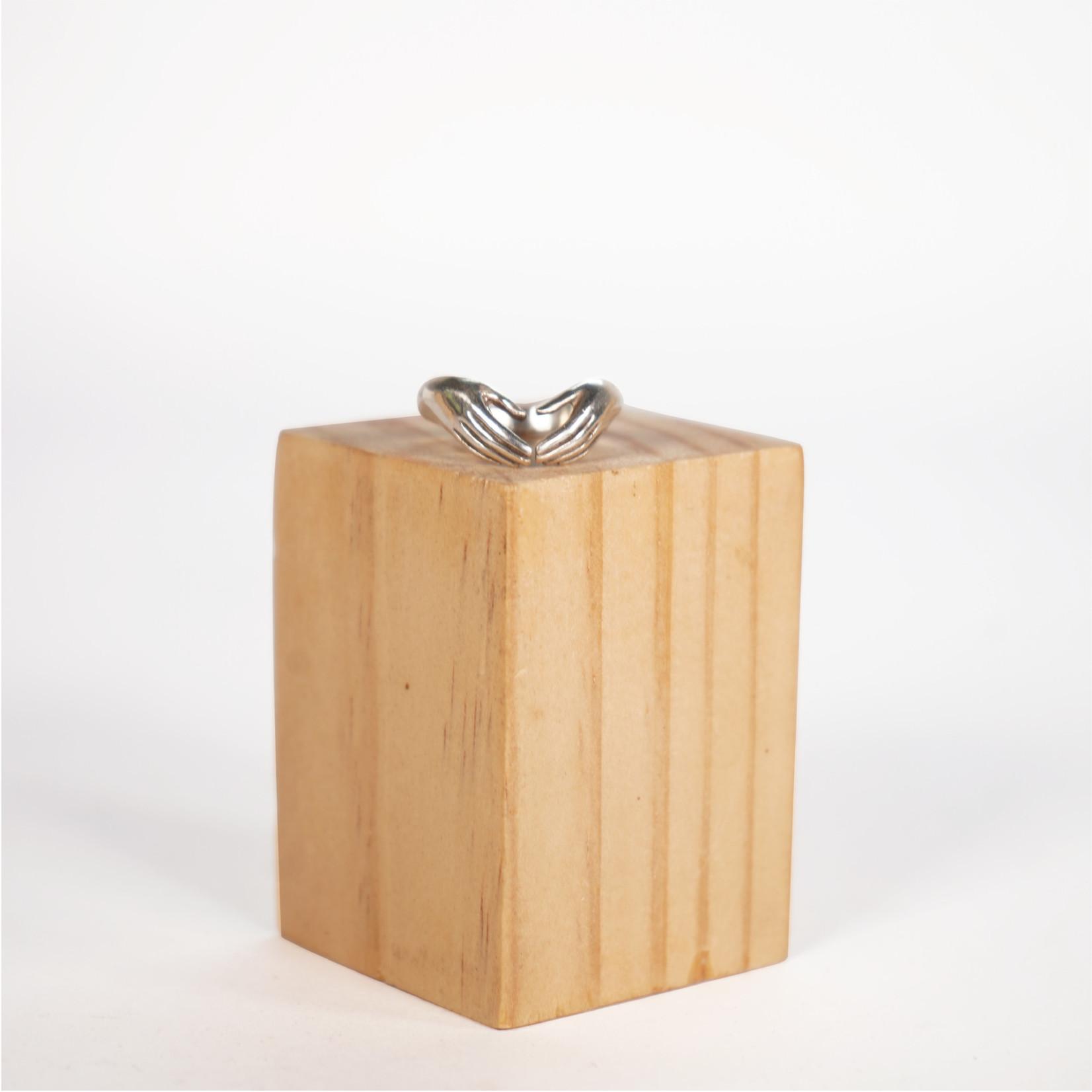 Hasta el Cogote Hands Ring