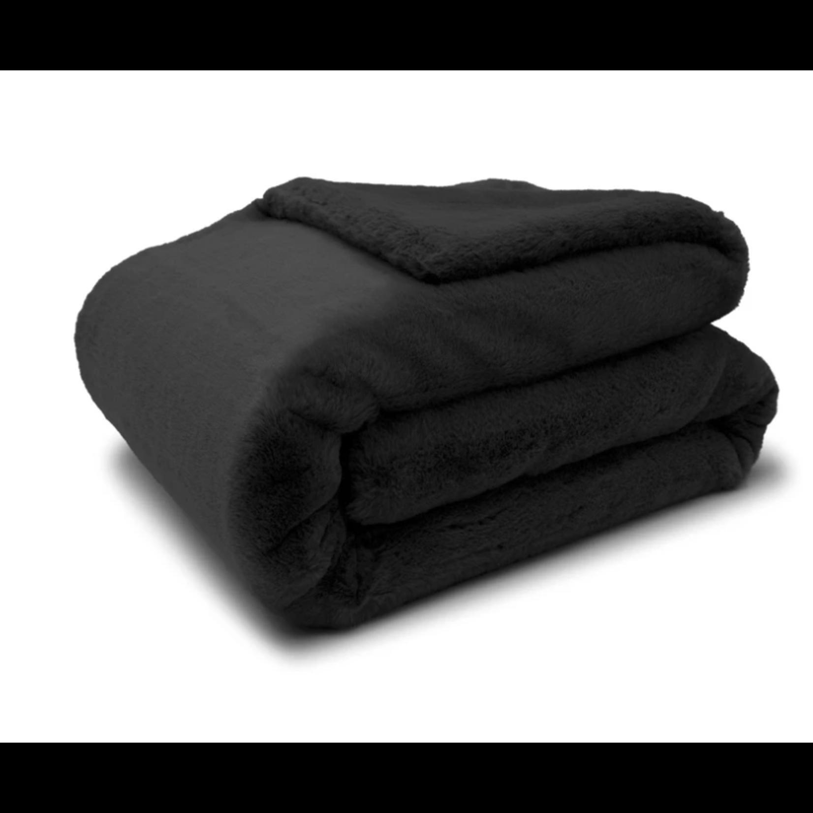 Apparis Jumbo Brady Blanket