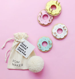 living refinery Donut Medium Pom Pom Maker