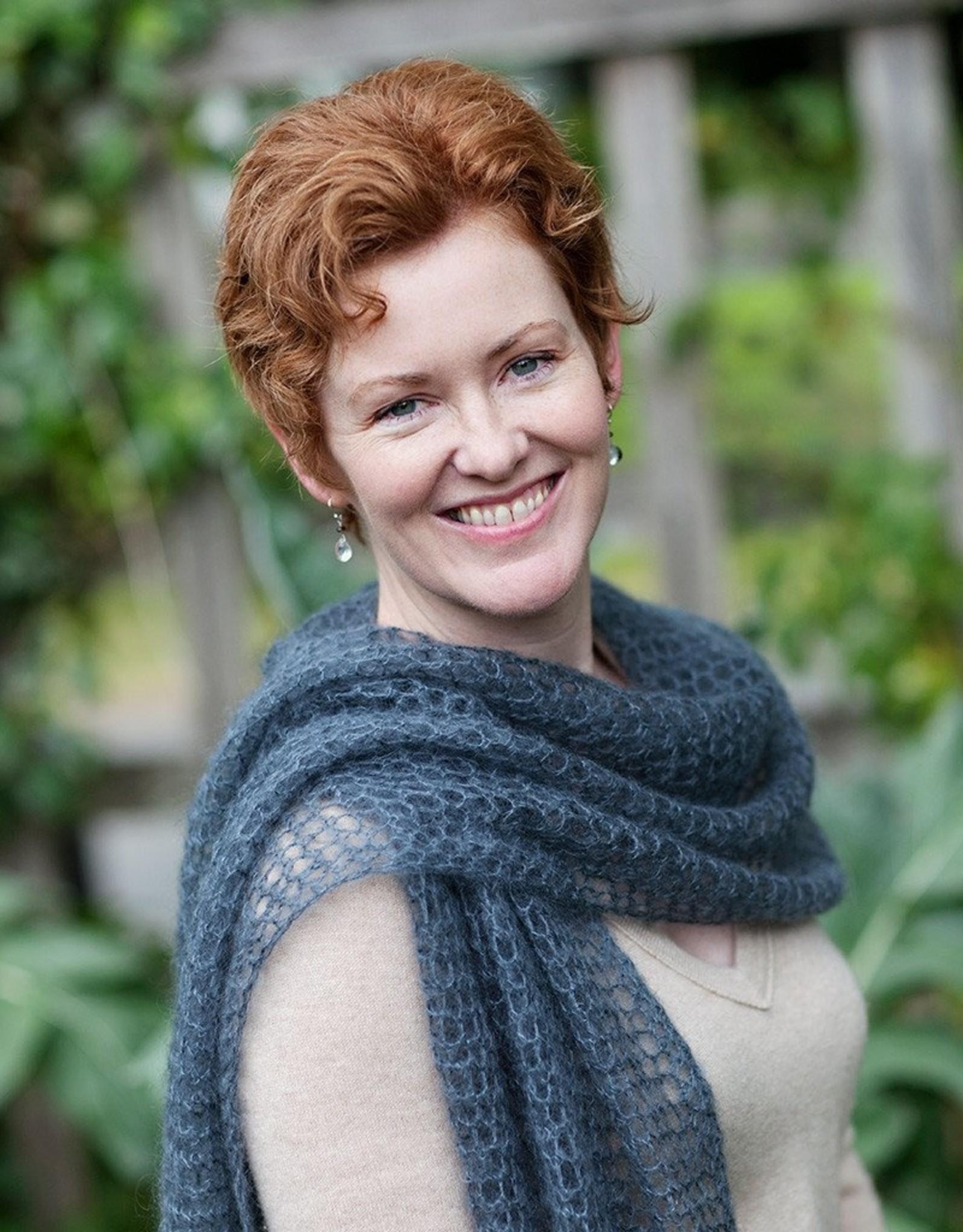 fibre space Crochet Lace Wrap Kit - Blue