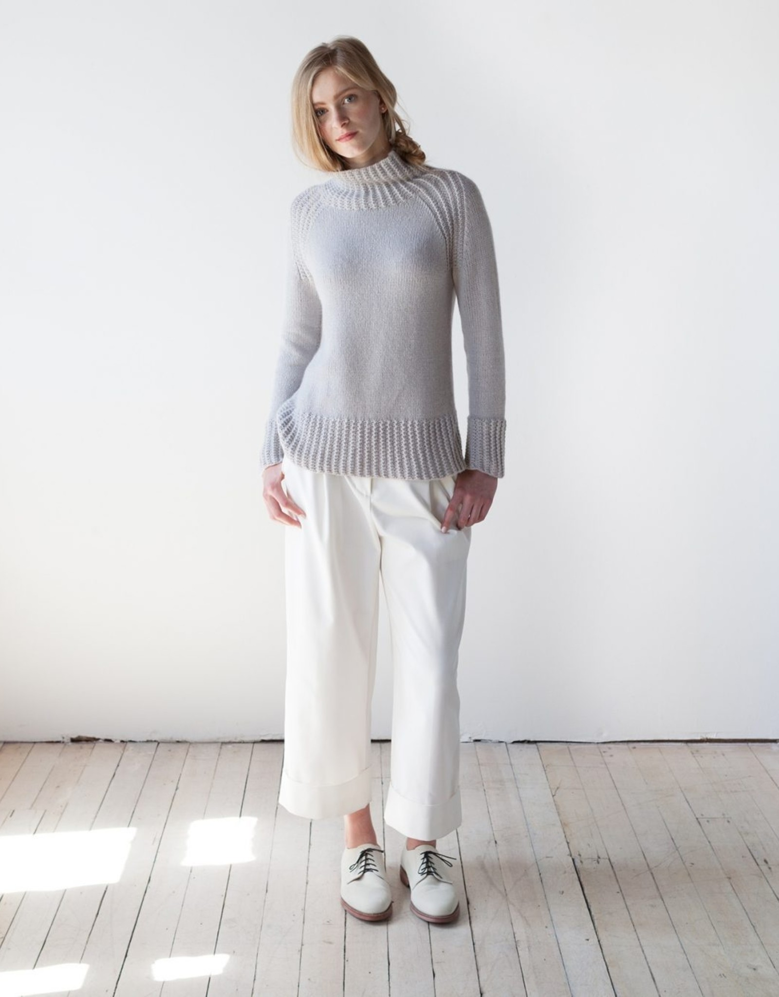 Woolfolk Flet Raglan Pullover in Woolstok Far