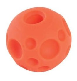 Omega Paw Omega Paw Tricky Treat Ball Medium