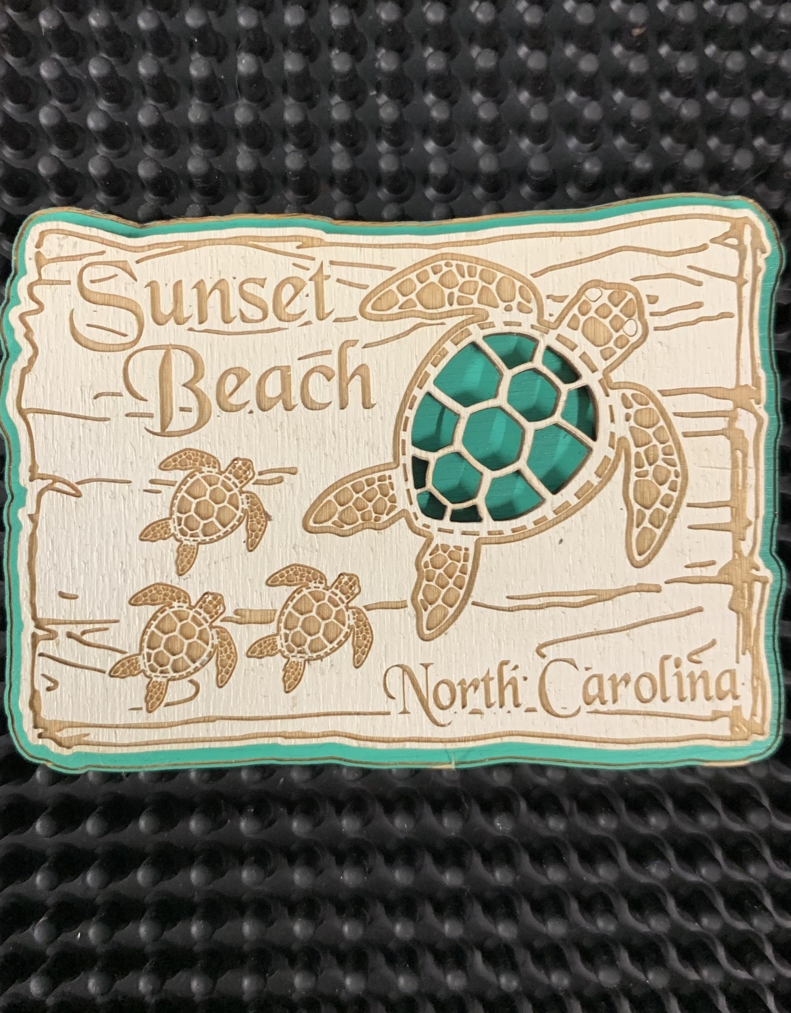 TURTLE FAMILY SIGN EMERALD MAGNET